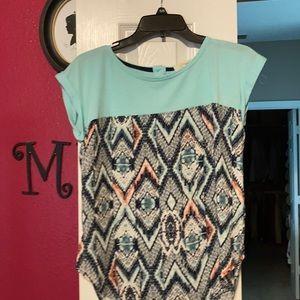 Pattern shirt sleeve top